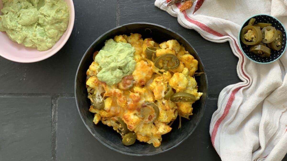 Blomkålsnachos med guacamole