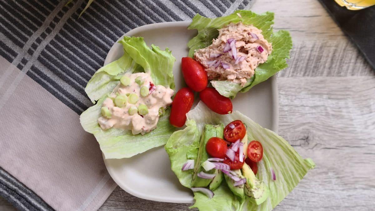 Salat madder med hønsesalat, tunmousse og avocado