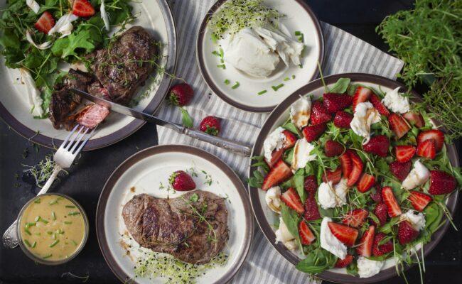 Jordbær Caprese med steak og