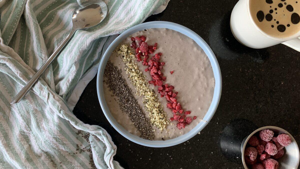 KETO Bær smoothiebowl af kokosmælk