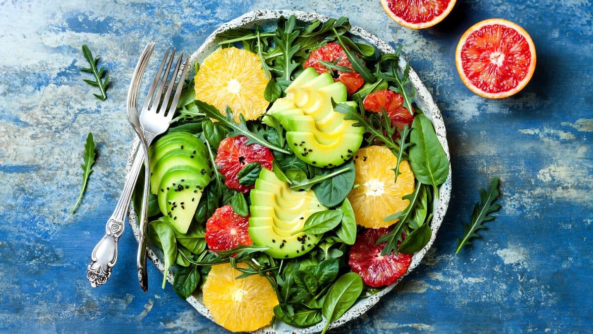 Blodappelsin og avocadosalat