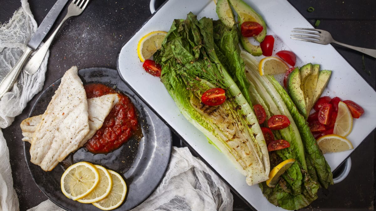 Kulmule i pomodoro sauce og simpel Keto salat