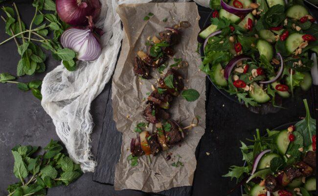ketoliv-Teriyaki kødspyd med thai salat-overview