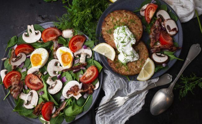ketoliv-tunbøffer-med-en-klassisk-spinatsalat-overview