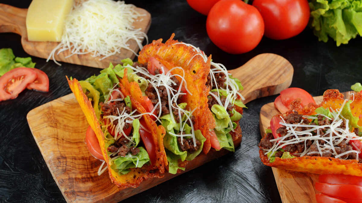 Oste tacos i kød og grønt