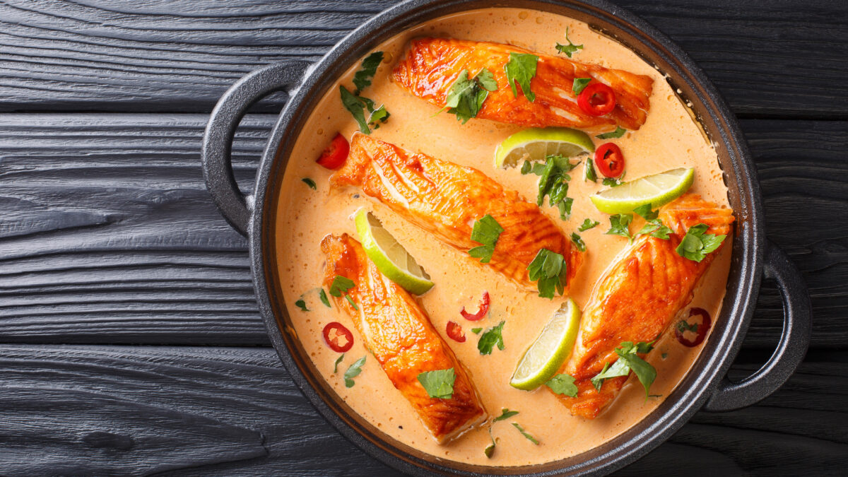 Thai lakse curry med blomkålsris