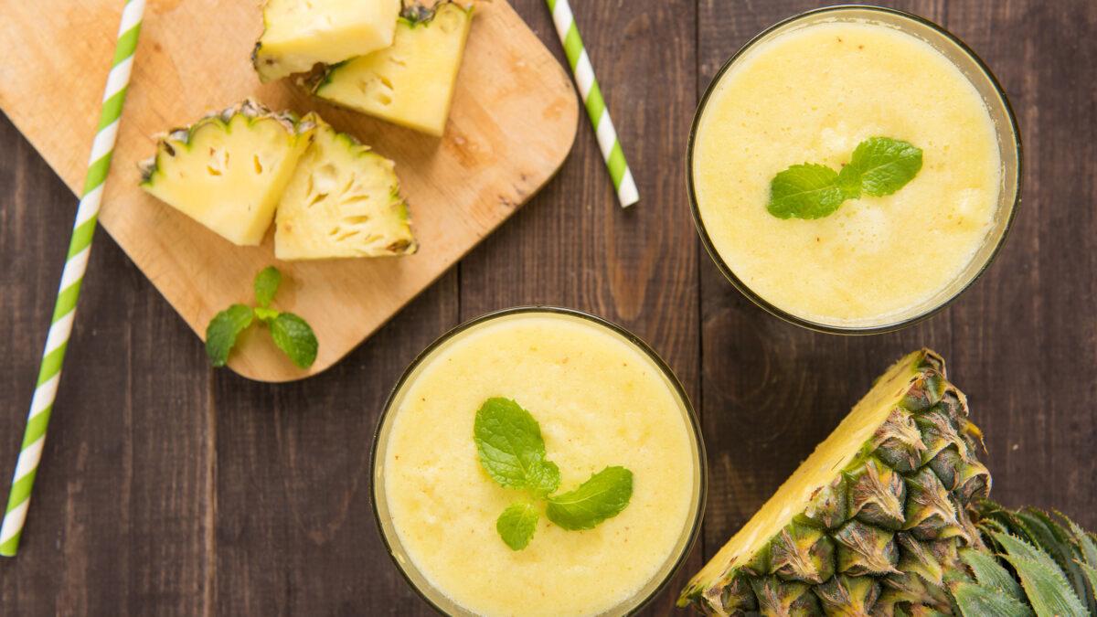 Tropisk KETO smoothie skål med gurkemeje