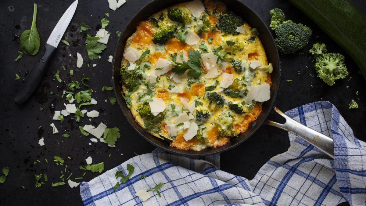 Fritatta med kylling og broccoli