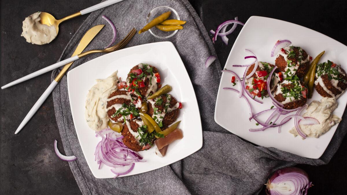 Keto falaffel med tomatsalat