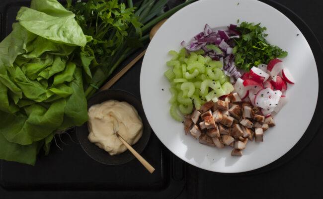 """ketoliv Kyllingesalat a la """"tøm køleskabet"""" med hjemmelavede mayonnaise overview"""