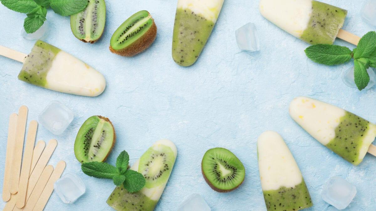 Frozen yoghurt kiwi is af græsk yoghurt